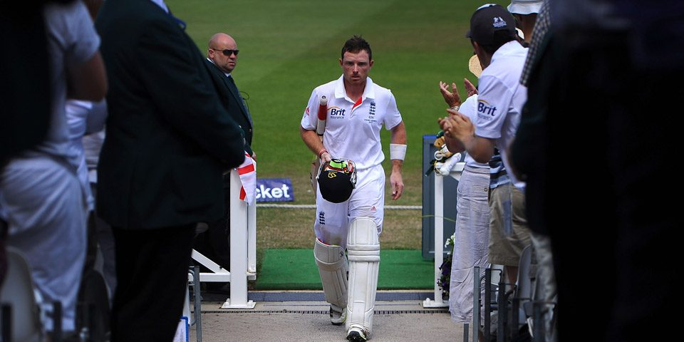 NOTTINGHAM, ENGLAND - JULY 13: Ian Bell of England walks back to the pavilion after scoring 109 runs during day four of 1st Investec Ashes Test match between England and Australia at Trent Bridge Cricket Ground on July 13, 2013 in Nottingham, England.  (Photo by Laurence Griffiths/Getty Images)